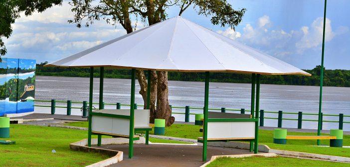 A Prefeitura Municipal de Inhangapi entregou para comunidade de Pernambuco a praça da orla totalmente revitalizada